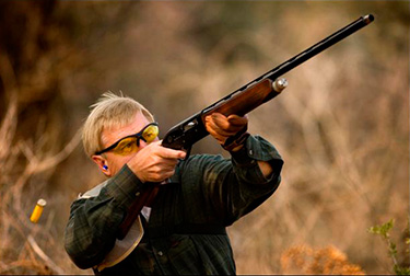 Dove-Hunting-in-Argentina---Hunter-Aiming-&-Shooting