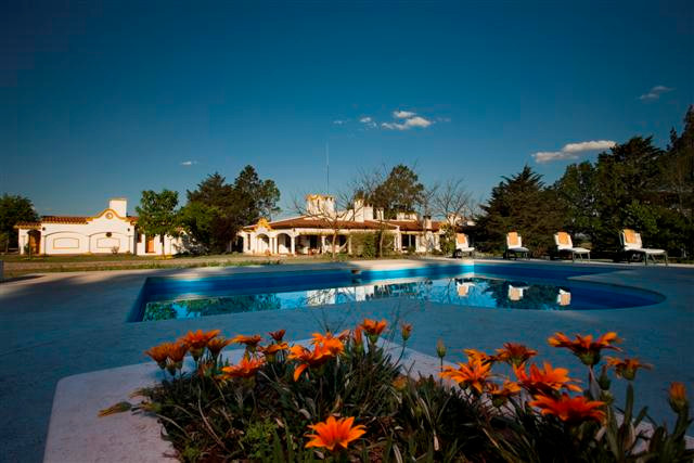 Los Chanares Argentina Dove Hunting Lodge - Pool Area