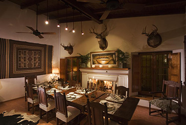 Los Chanares Lodge - Dining Area