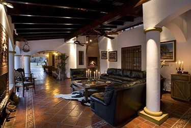 Los Chanares Lodge - Lobby Area